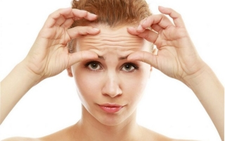 Как убрать морщины на лбу: обзор эффективных способов