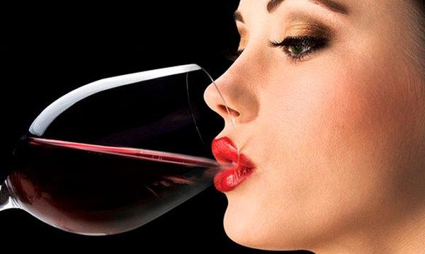 Нельзя принимать алкоголь при косметических процедурах