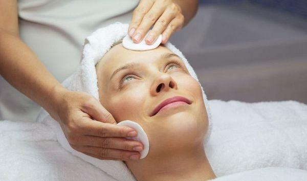 После процедуры кожу обрабатывают лосьоном