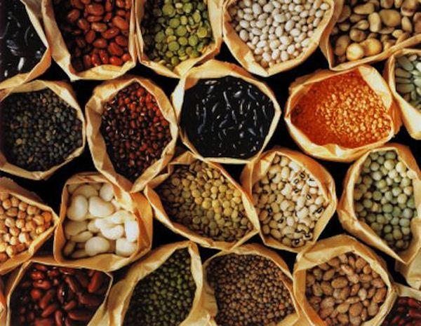 Нужно ограничить себя в употреблении соленых, острых продуктов и блюд