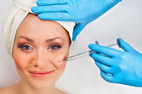 Отличие заключается в препаратах, применяемых косметологом