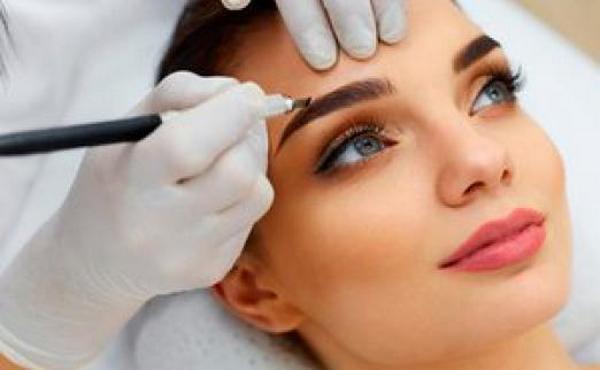 Перманентный макияж делают до введения препарата