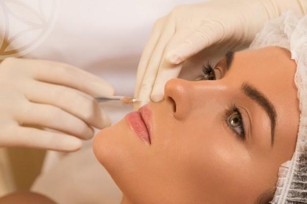 Лекарство вводят в верхний слой кожи