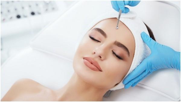 Количество процедур и их периодичность определяются состоянием кожи