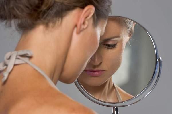 Количество гиалуроновой кислоты сокращается также из-за стрессовых ситуаций