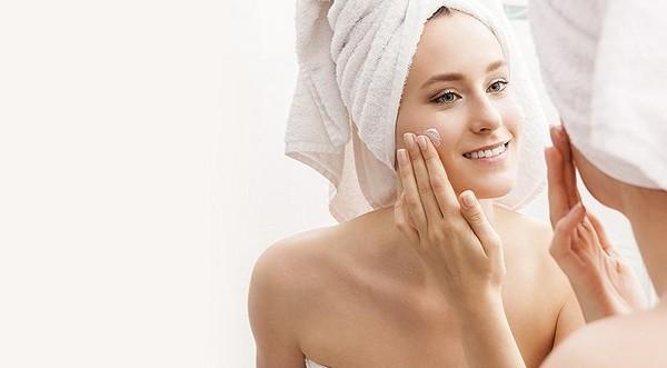 Важно правильно ухаживать за кожей после чистки лица