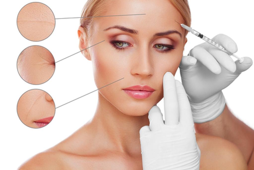 Проводится косметическая обработка всей кожи лица