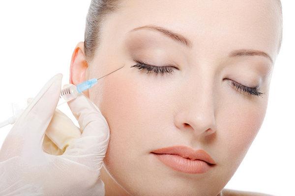 Придется проводить процедуры регулярно, т.к. гиалуроновая кислота со временем рассасывается