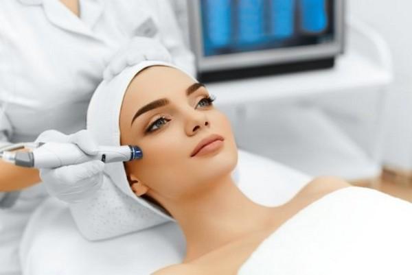 При такой процедуре очищается только верхний слой кожи
