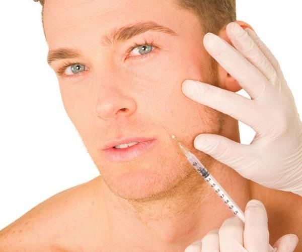 Для контурной пластики овала лица используют средства на основе гиалуроната и гидроксиапатита кальция