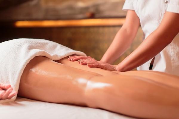 За короткое время медовый массаж избавляет от многих проблем