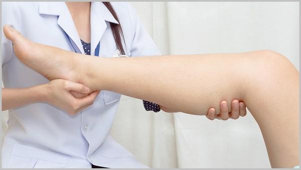 Спустя несколько сеансов проводится обследование кожи с целью определения последующего курса терапии