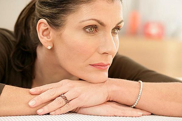 Во время менопаузы кожа изменяется по «старческому» типу