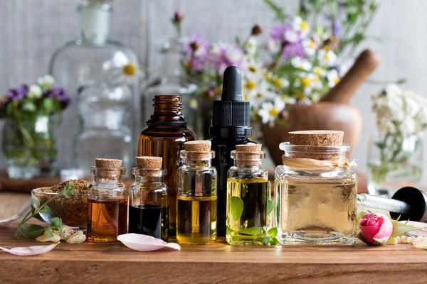 Эфирные масла допустимы в медовом массаже