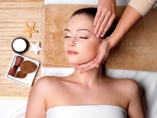 Полезным считается лифтинг-массаж для лица