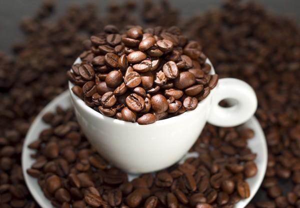 Кофеин в смеси делает кожу моложе