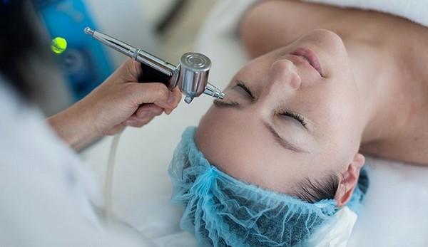 Стоимость кислородной мезотерапии может варьироваться в зависимости от цели проведения процедуры и характера проблемы