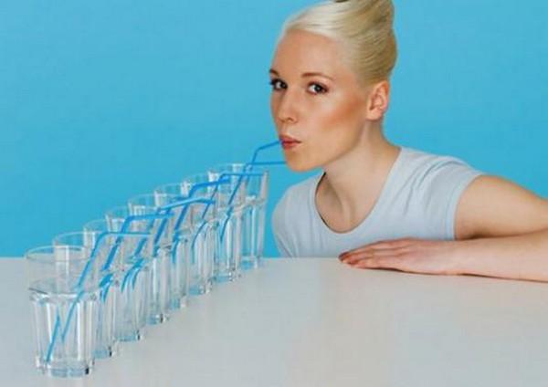 Нужно пить много воды