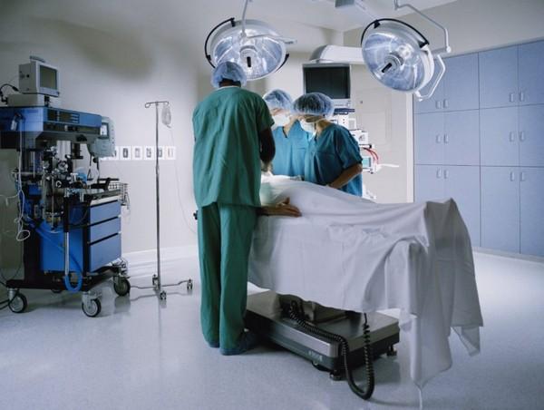 При необходимости снятия швов надо обращаться в клинику