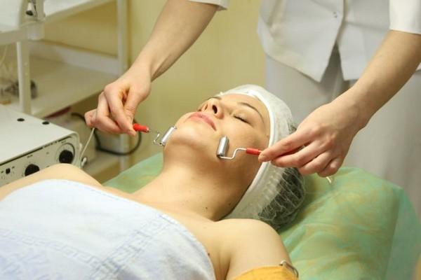 Главная цель процедуры – очистка кожи