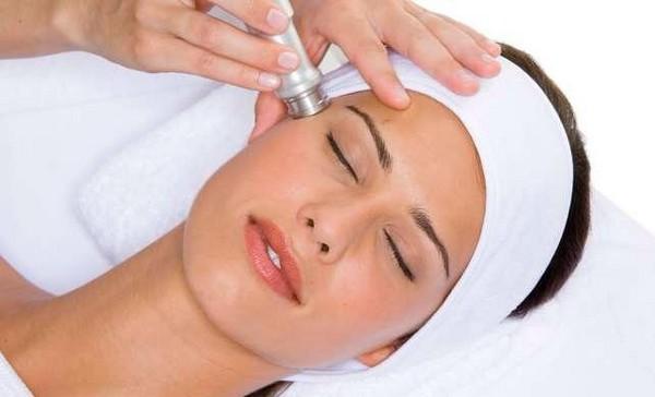 Алмазная дермабразия назначается при серьезных проблемах с кожей