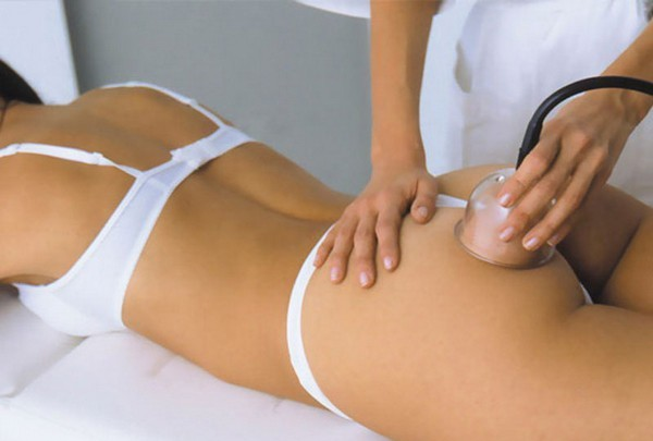 Существует и аппаратный метод антицеллюлитного вакуумного массажа