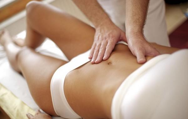 Массаж также будет эффективным способом сделать кожу более подтянутой