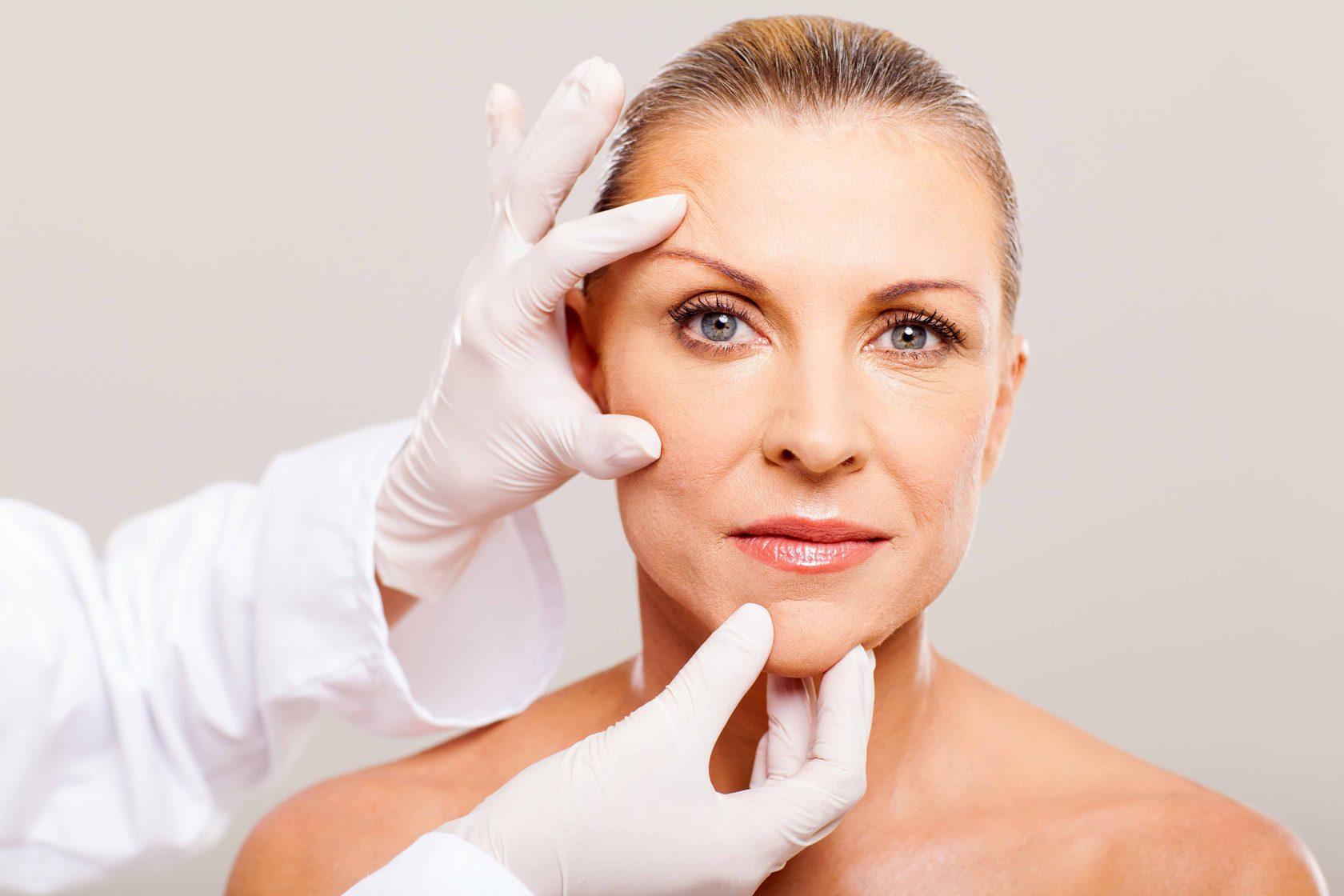Старение кожи - одна из проблем, с которой поможет справиться процедура