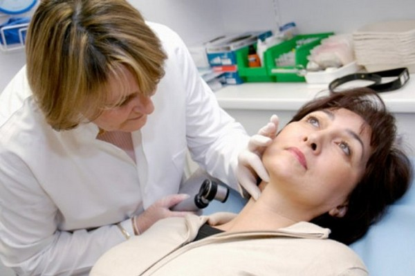 Важно обследоваться у врача перед процедурой