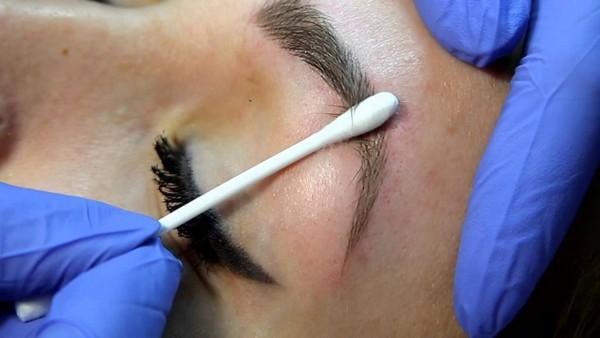 Волосковый микроблейдинг