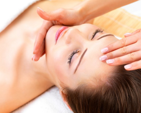 Лимфодренажный массаж лица влияет на весь организм