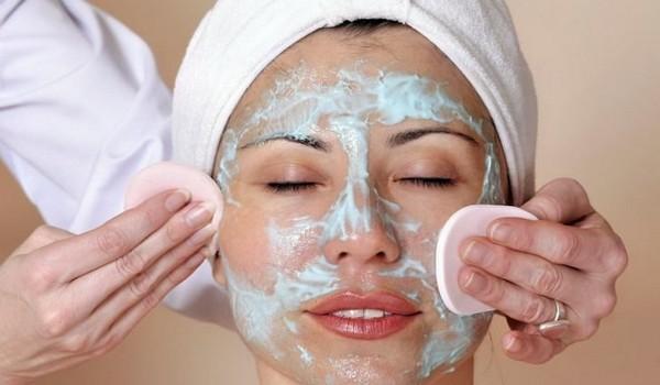 Поверхностный пилинг не требует ухода за кожей после процедуры