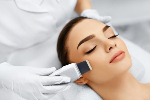 В течение месяца нельзя проходить некоторые косметологическиВ течение месяца нельзя проходить некоторые косметологические процедурые процедуры