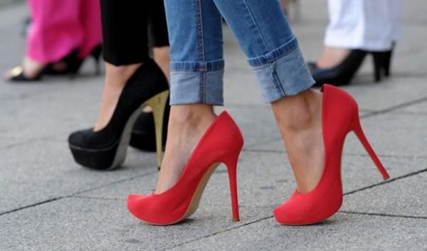 Не рекомендуется часто носить обувь на высоком каблуке