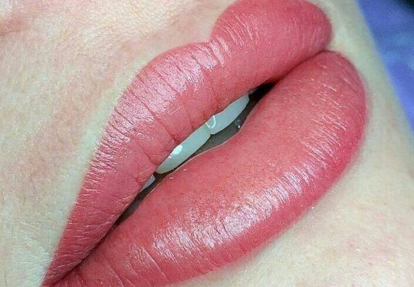Микроблейдинг губ бывает полезен в определенных случаях