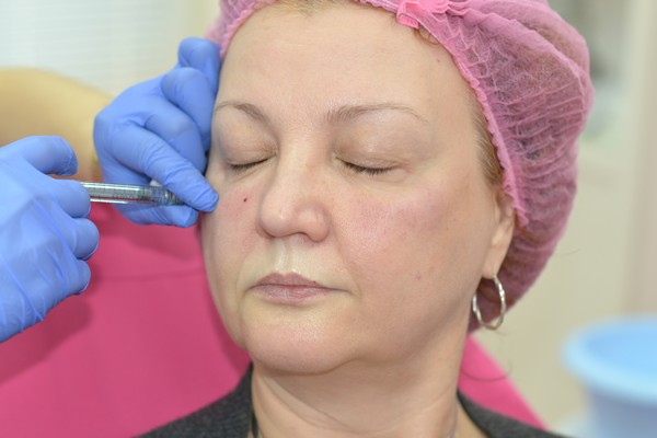 Существуют различные органические соединения, которые используются в косметологии
