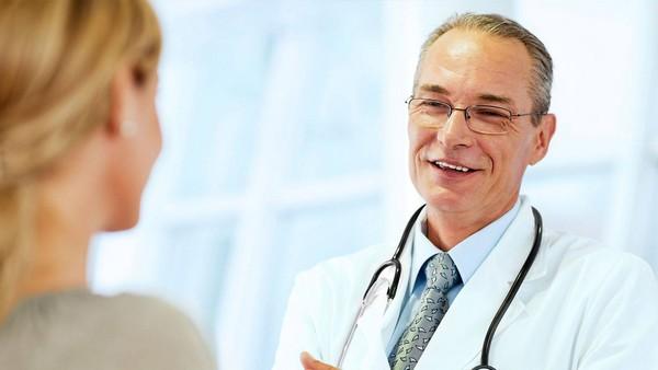 При обнаружении «подозрительных» родинок не стоит медлить с обращением к врачу