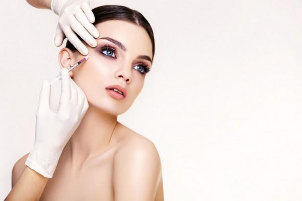 Обычно после процедур инъекционной косметологии побочных эффектов не возникает
