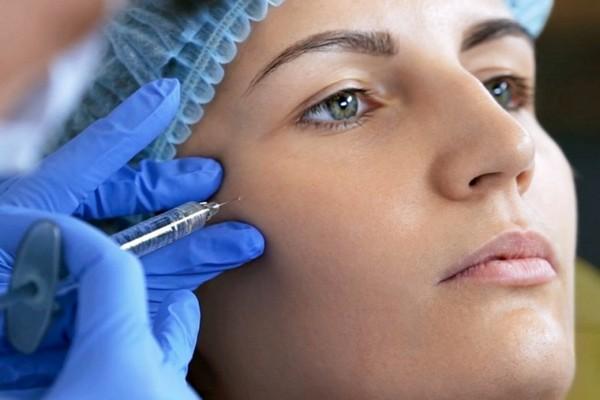 Используют и филлеры для коррекции овала лица