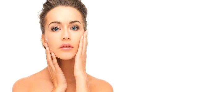 В первые дни после процедуры касаться кожи нужно очень осторожно