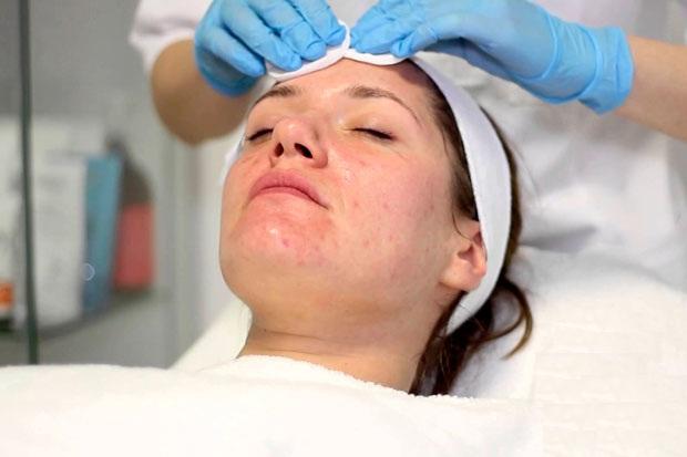 Первый этап - очищение кожи