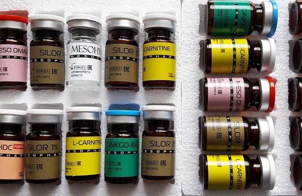 Нередко используют разные лекарственные препараты, помогающие избавиться от определенных проблем с кожей