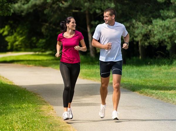Занятия спортом исключаются на полгода, разрешены лишь упражнения ЛФК