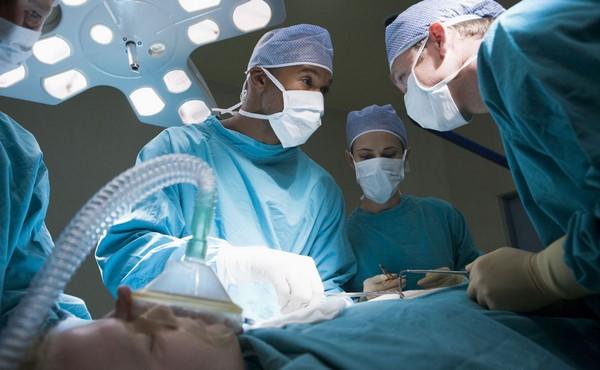 Операция проводится под общим наркозом
