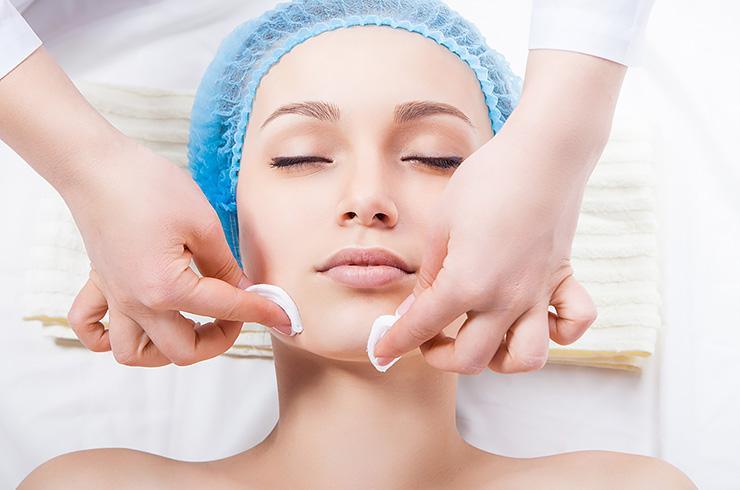 Перед процедурой кожу нужно очистить