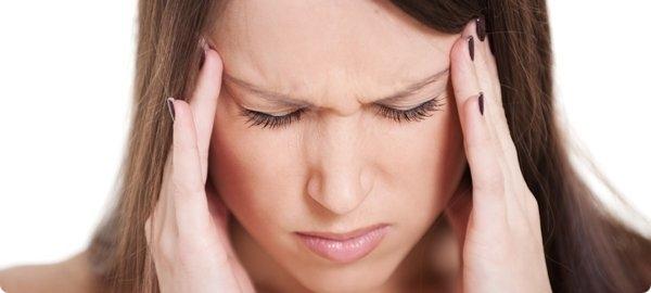 Часть пациентов после ботулинотерапии ощущают приступы головной боли