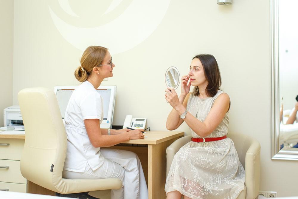 Первый шаг к процедуре - консультация косметолога