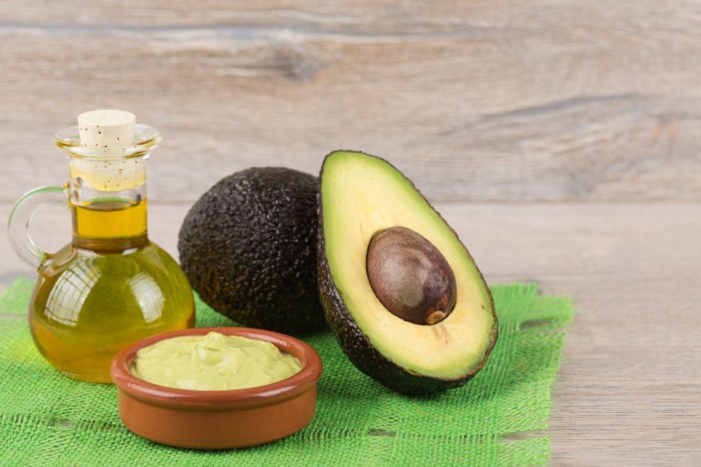Мякоть авокадо содержит невероятное число полезных элементов